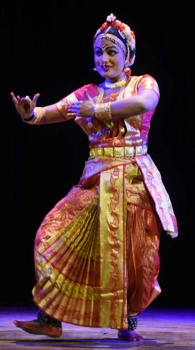 Kuchipudi  Manipuri  Kathakali  Kathak And Bharatnatyam Artistes Mesmerize Audience