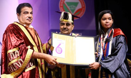 Convocation of SoA University: Gadkari stresses on knowledge and innovation for country's growth
