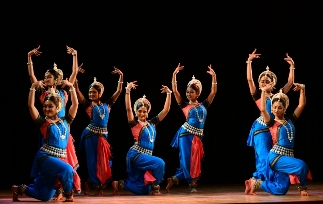 Antardrishti- a tribute in dance to Odissi guru Kelucharan Moahapatra