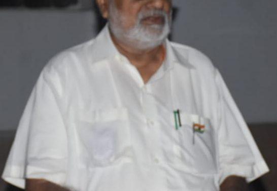 Odisha governor Ganeshi Lal joins the nation in  lighting diya