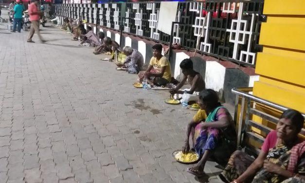 East Coast Railway, IRCTC, RPF feed 23,000 needy persons in 10 days