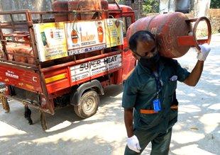 Oil Marketing Companies provide essential service to public amidst Lockdown