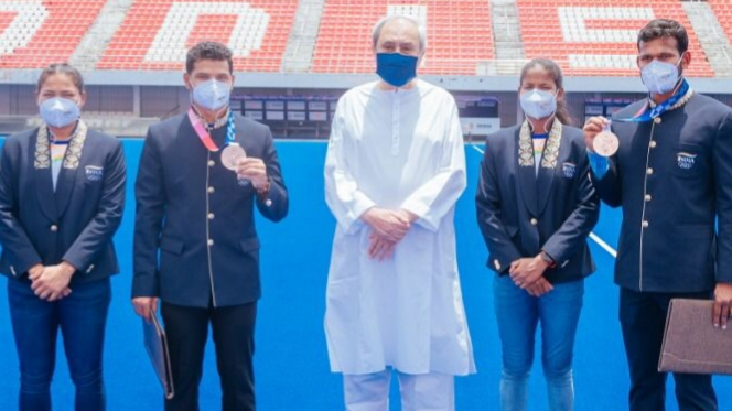 Back from Olympics, Odisha hockey players get Dy. SP jobs and cash prize